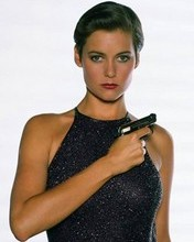 Free Carey Lowell phone wallpaper by robbiefw