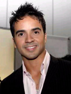 Free Luis Fonsi phone wallpaper by zulezuly
