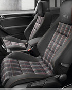 2009-Volkswagen-Golf-VI-GTI-010.jpg