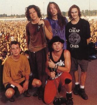 Free Pearl Jam 27.jpg phone wallpaper by mkt1977xx