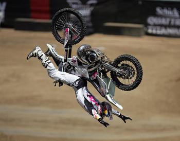 Free dirt-bike-jump-up.jpg phone wallpaper by credulous2confute