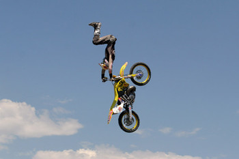 Free dirt-bike-jump-6.jpg phone wallpaper by credulous2confute