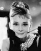 Audrey-Hepburn-tiffanies.jpg
