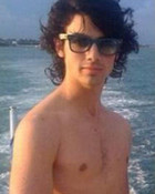 joe shirtless! ah!
