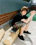 Justin-Bieber-justin-bieber-7011899-493-604.jpg