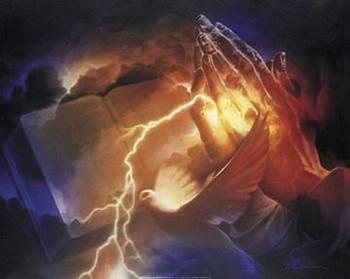 Free bible and prayn hands.jpg phone wallpaper by jackiegg