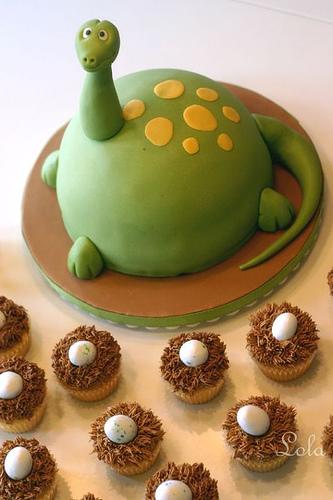 Free cute-food-dinosaur-with-eggs-cake. phone wallpaper by anablah