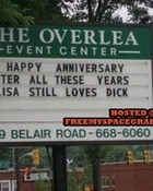 funny-sign-loves-dick.jpg
