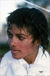 Free MJJ with wet hair.jpg phone wallpaper by anita13