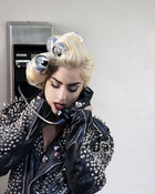 Lady-Gaga-Telephone-4.jpg