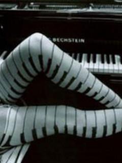 Free pianolegs.jpg phone wallpaper by kiwigymnast