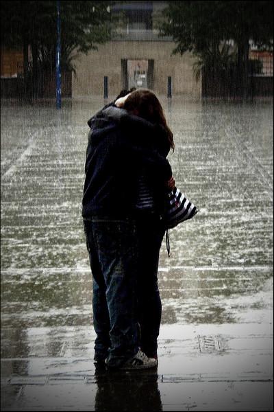 Free love-picture-hug-couple-rain-orangeacid.jpg phone wallpaper by aaliyahmichelle