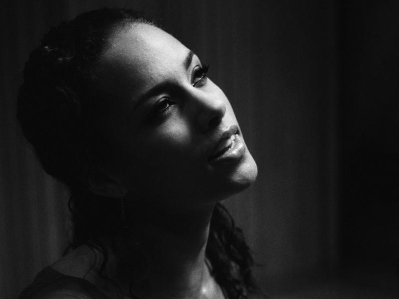 Free Alicia Keys  phone wallpaper by chucksta
