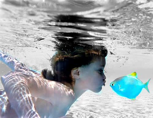 Free underwater phone wallpaper by coraima21
