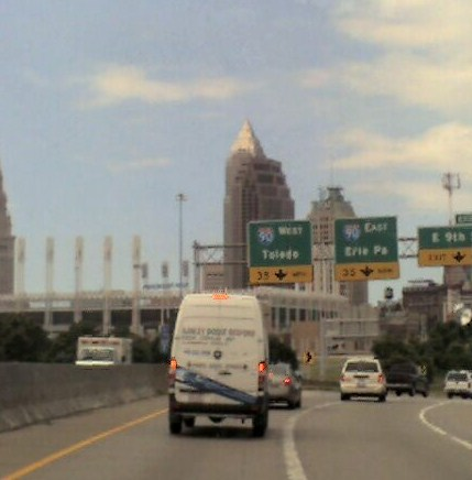 Free Cleveland Skyline phone wallpaper by shawninlakewood