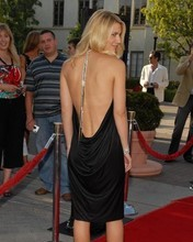 Free claire_danes dress bk.jpg phone wallpaper by bluemoonz