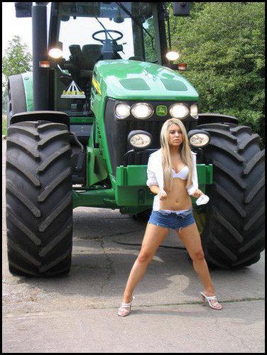 Free John Deere Girl_big.jpg phone wallpaper by udderguy