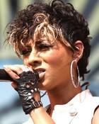 short-curly-hair-styles-women-10_spl118673_006.jpg