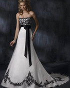 Strapless-Wedding-Dress[1].jpg