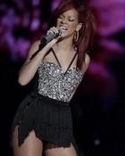 rhianna singing.jpg