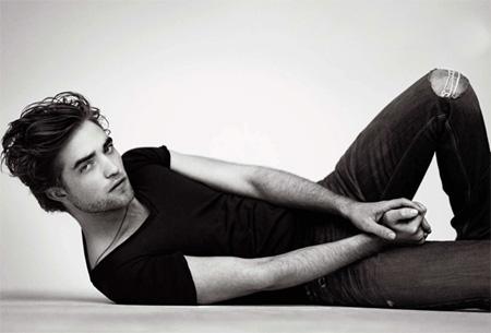Free Robert-Pattinson-GQ-1.jpg phone wallpaper by twifranny