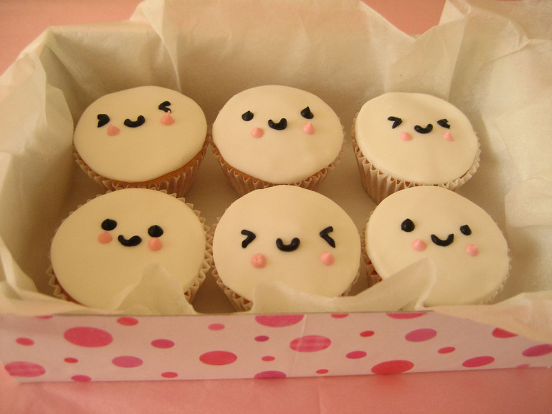 Free Cupcake-Faces-cupcakes-396299_1024_768.jpg phone wallpaper by moccacake28