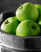 Green-Apples-Black-and-White-backgroud.jpg