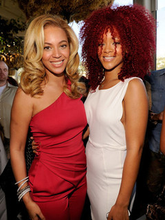 Free Beyonce-L-and-Rihanna-Gucci-and-Roc-Nation-Pre-GRAMMY-brunch.jpg phone wallpaper by visiongun