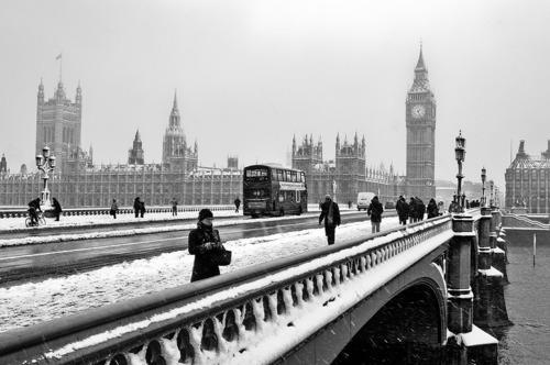 Free black-and-white-britain-chic-england-london-london-town-Favim_com-98872.jpg phone wallpaper by justnicole