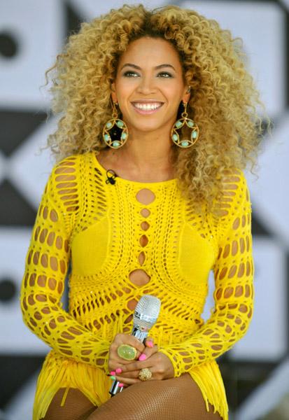 Free Beyonce-Lorraine-Schwartz-Jewelry-Good-Morning-America.jpg phone wallpaper by kiarastirgus