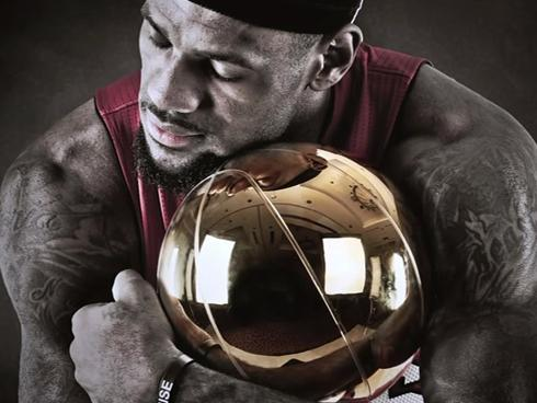 Free LeBron Hugging Trophy.jpg phone wallpaper by donovanclyde