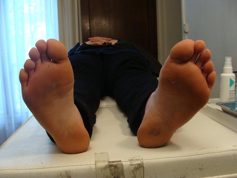 Free Karina Rojos big jucy feet when she sleeps phone wallpaper by artemio