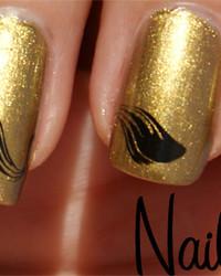 gold-nail-polish.jpg