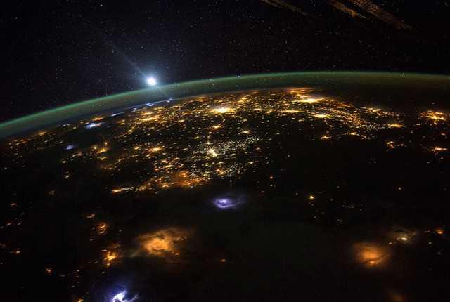 Free foto imaji dari stasiun luar angkasa..jpg phone wallpaper by yusufbk