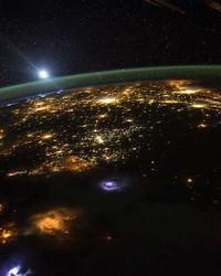 foto imaji dari stasiun luar angkasa..jpg wallpaper 1