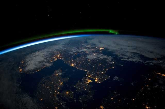 Free foto terbaik bumi dari luar angkasa..jpg phone wallpaper by yusufbk