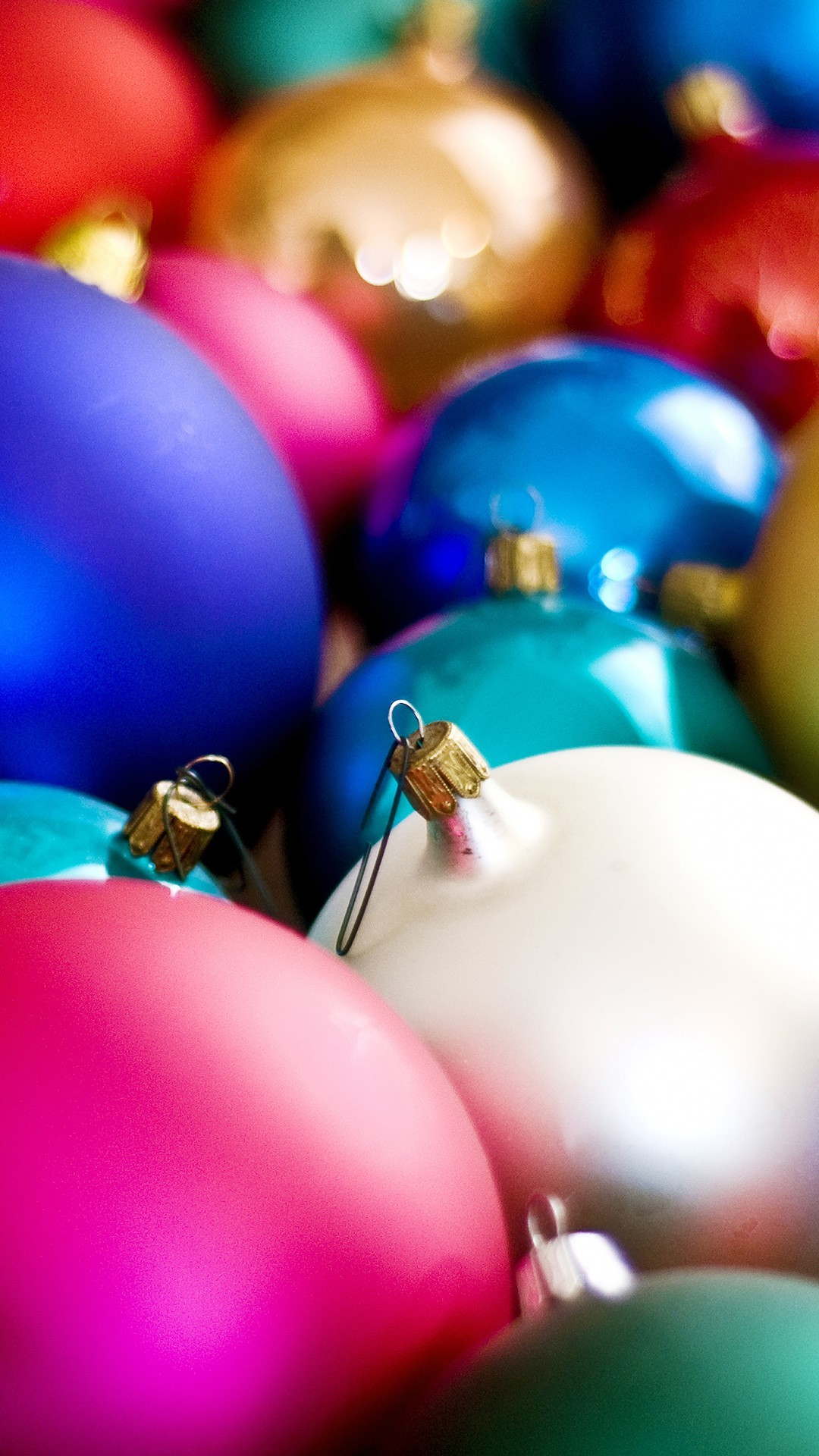 Free Christmas Balls Decoration phone wallpaper by crazyn77