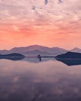 Lake, horizon, sky, clouds, reflection