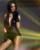 Rihanna - Performance